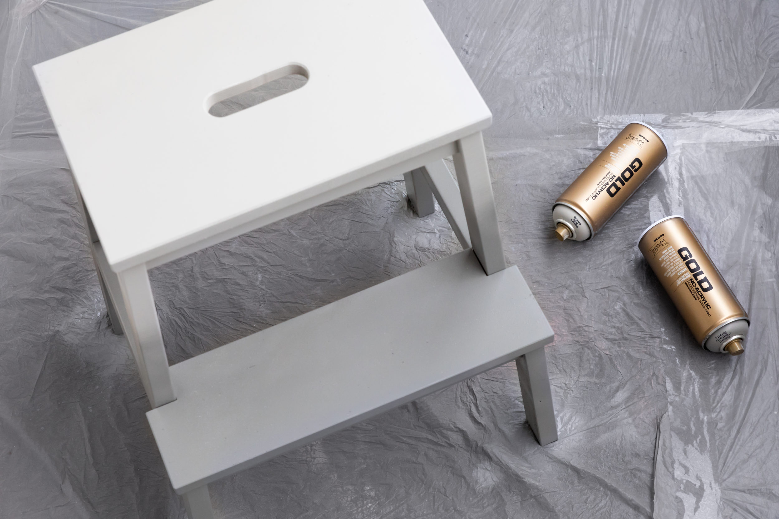 Decorative Ombre Stools – Turning Plain Wood into Faded Goodness